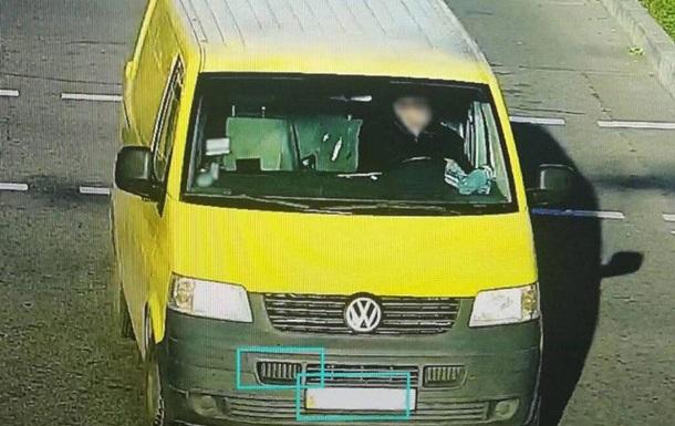 Під Черніговом водій збив на смерть дев ятикласницю і зник