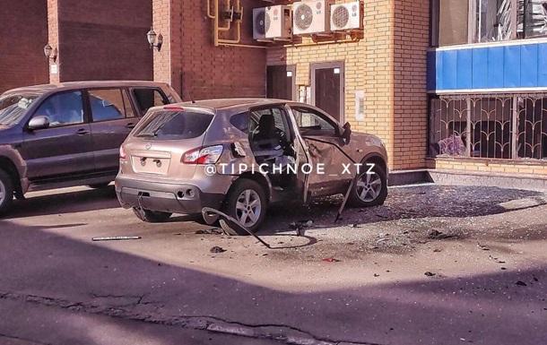 У центрі Харкова підірвали автомобіль
