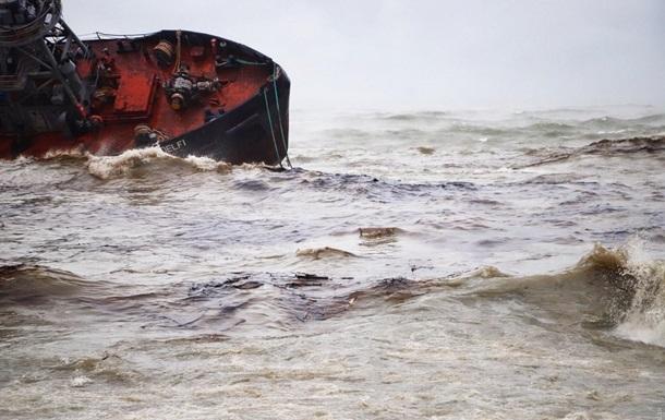 Авария танкера: в Одессе резко снизился уровень загрязнения в море