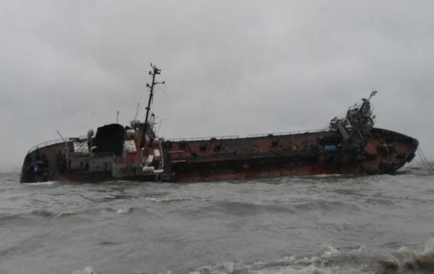 Стало известно, когда в Одессе уберут севший на мель танкер