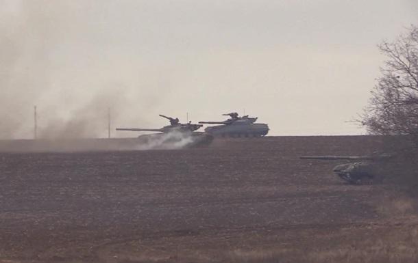 На Донбассе провели танковые учения