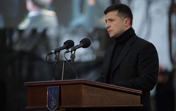Зеленский начал записывать еженедельное видео