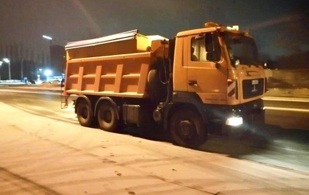 Вночі у Києві випав сніг