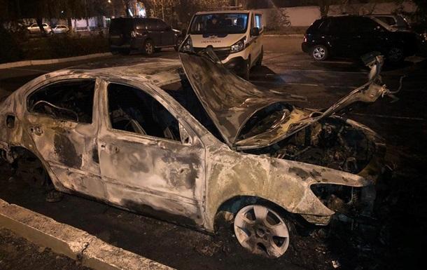 В Одесі підпалили машину сім ї начальника митниці