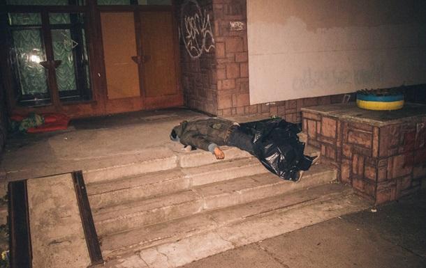 У Києві біля дитячої лікарні знайшли труп чоловіка