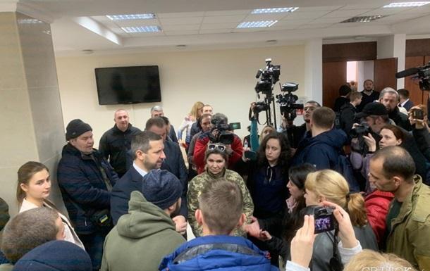 Добровольцы сорвали сессию Николаевского облсовета