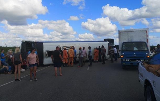 У Домінікані автобус із російськими туристами потрапив у ДТП