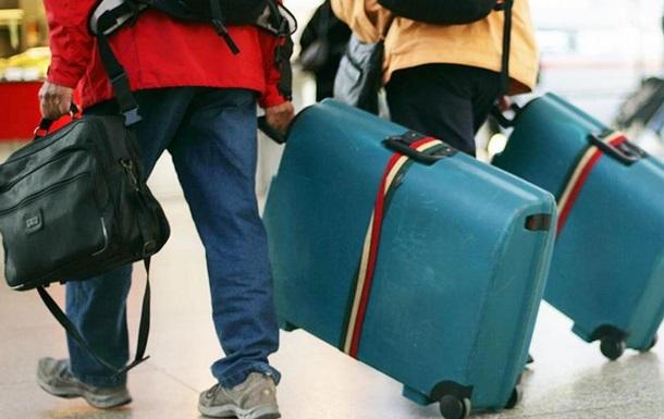 У російської молоді ростуть еміграційні настрої - опитування