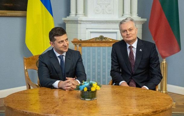 Президенти Литви та України дали спільний брифінг