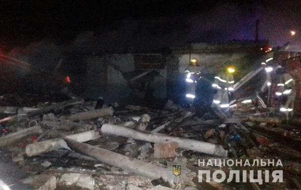 В Балаклее взрыв разрушил гаражи
