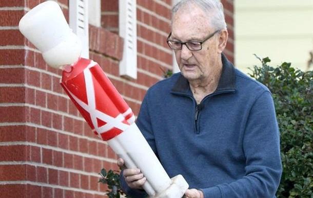 Пенсионер отбил ребенка от собаки статуей Щелкунчика