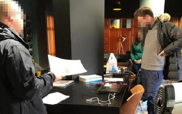 У Миколаєві чиновники привласнили 15 млн гривень на е-підручниках