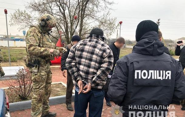 Спецназ  накрыл  группировку вымогателей