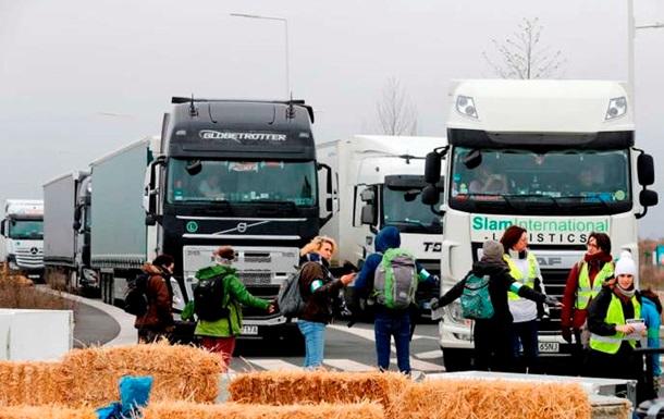 У Франції активісти заблокували рух через  чорну п ятницю