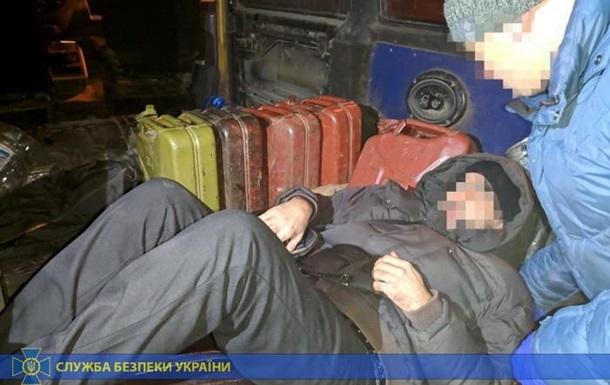 У Харківській області чоловік возив в Росію нелегалів під речами