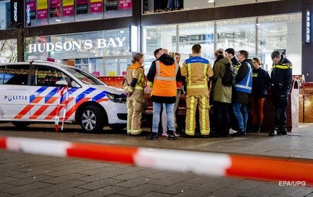 У Гаазі невідомий напав із ножем на людей