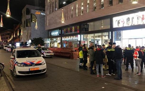 Напавший с ножом на подростков в Гааге задержан - СМИ