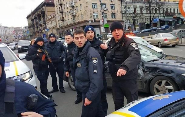 В Киеве водитель, убегая от копов, устроил два ДТП