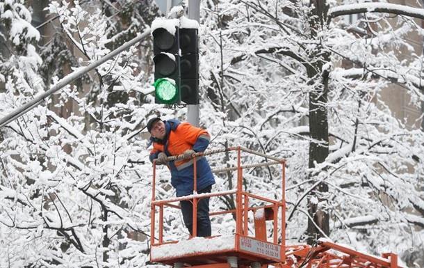 Сильний сніг. Синоптики обіцяють прихід холодів