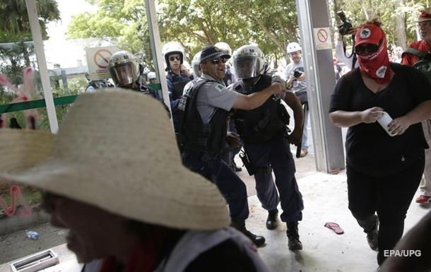 У Бразилії дев ять учасників вечірки загинули в тисняві