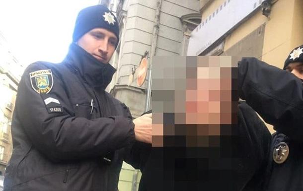 У Львові затримали чоловіка, котрий бив жінок на вулиці