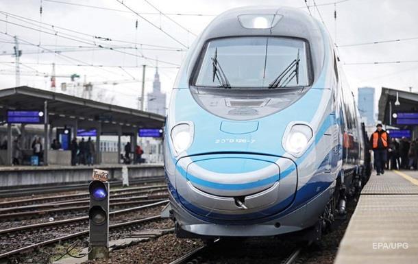У Польщі поїзд протаранив фургон із п яними українцями