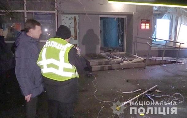 Пограбування Ощадбанку в Києві: затриманим висунули підозри