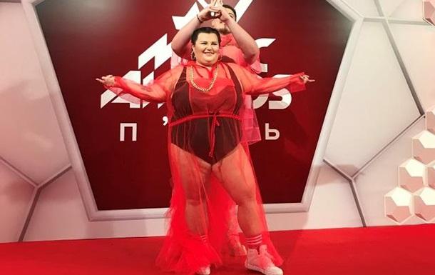 Alyona Alyona прийшла на вручення премії у відвертому вбранні