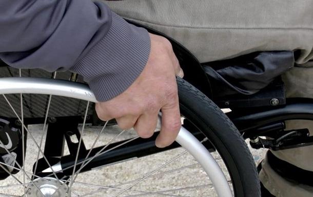 Людей в инвалидных колясках признали участниками дорожного движения