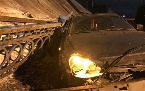 Момент обвалення моста в Оренбурзі потрапив на відео