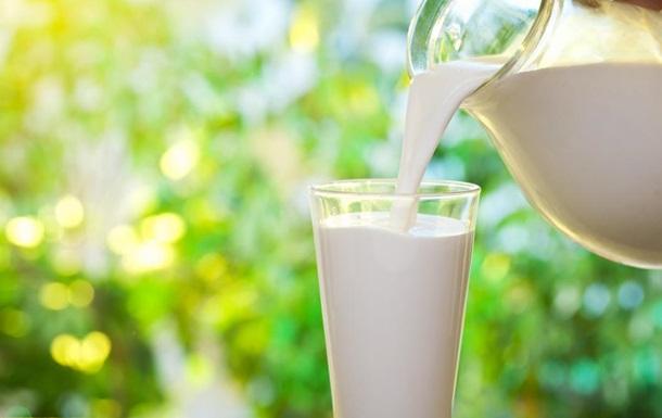 Вегетаріанське  молоко виявилося шкідливішим за коров яче - дослідження