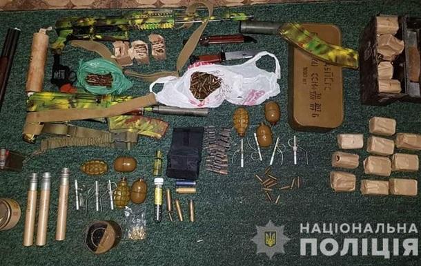 У Кіровоградській області у чоловіка вилучили арсенал зброї