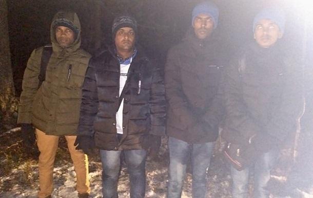 Россиянин установил пограничные лжестолбы и провел мигрантов в  Финляндию
