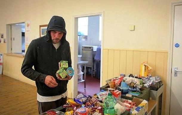 Син мільйонера, ставши наркоманом, живе на вулиці 20 років