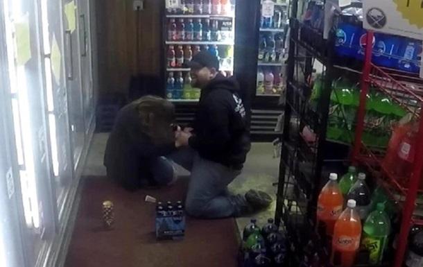 Американец инсценировал ограбление, чтобы сделать предложение девушке