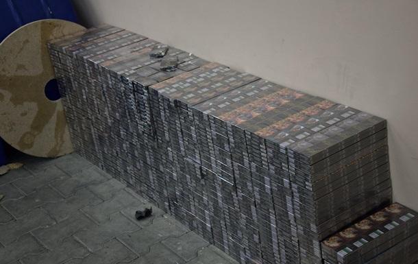Контрабандисти намагалися провезти рекордну партію сигарет з Росії в ЄС