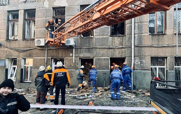 В Одесі приступили до розбору завалів на місці пожежі