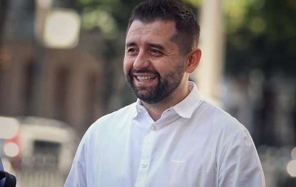У Слузі народу стіну на Донбасі вважають метафорою