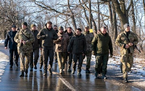 Зеленский провел День ВСУ на передовой на Донбассе