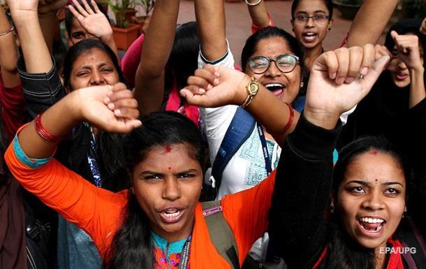 Поліція Індії застрелила чотирьох підозрюваних у зґвалтуванні дівчини