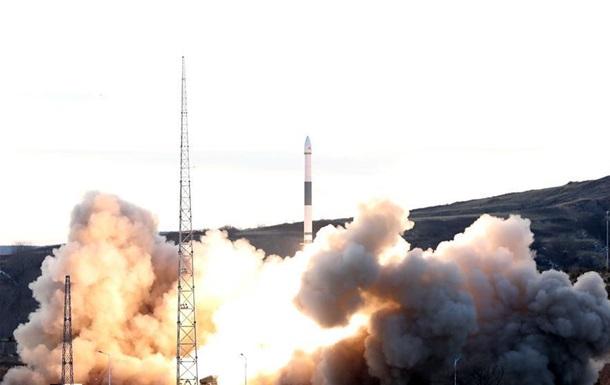 Китай вивів на орбіту шість супутників