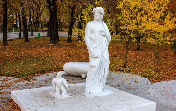 Вандали пошкодили відомий київський пам ятник