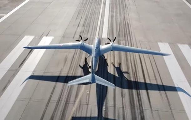 Турецько-український дрон Akinci здійснив перший політ