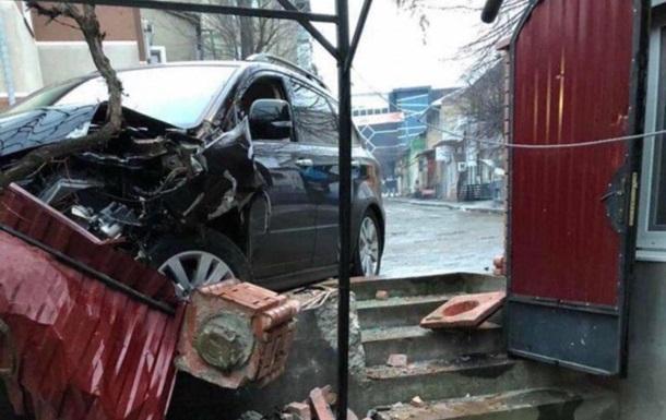 Патрульний  під кайфом  переслідував п яного водія по ожеледі