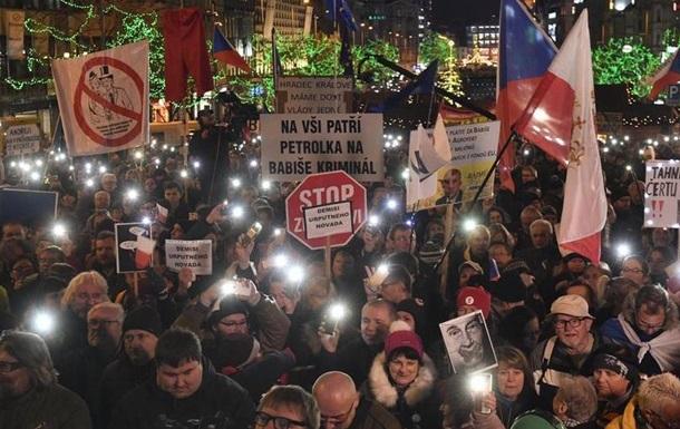 Десятки тисяч пражан вийшли на протест проти прем єра Бабіша