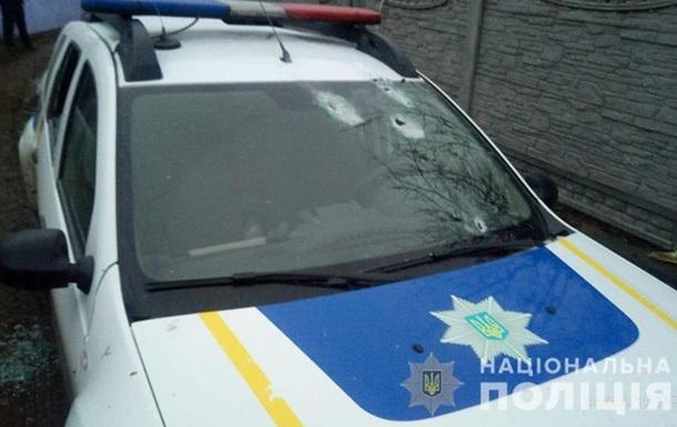 На Киевщине мужчина устроил стрельбу по полицейским