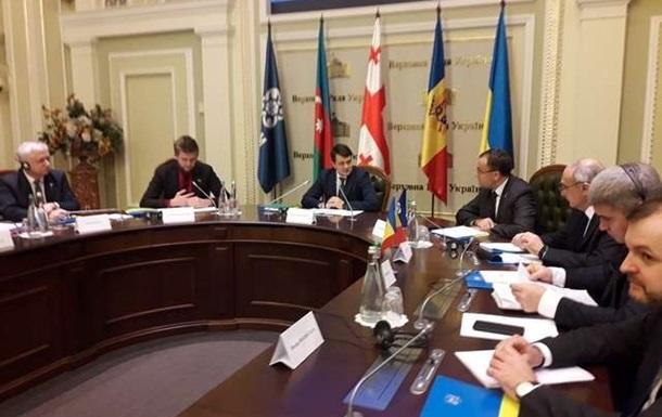 В Киеве стартует саммит ГУАМ