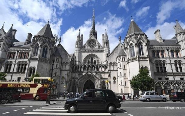 Суд Британії відклав рішення щодо боргу Януковича