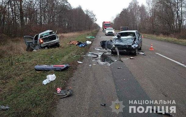 ДТП під Черніговом: троє загиблих, троє постраждалих