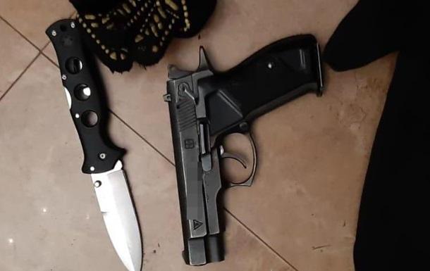 Поліція затримала грабіжників у будинку підприємця на Київщині